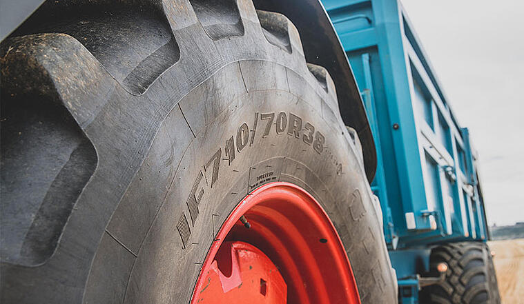 Pneus standards, pneus IF ou pneus VF