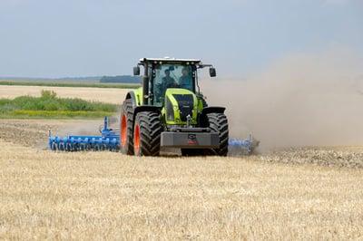 Pneus polyculture ferme et champs