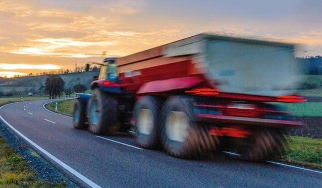 Tracteur et vitesse sur route