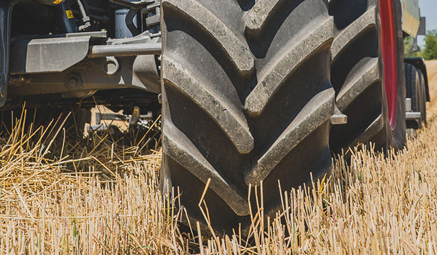utilisation du tracteur aux champs