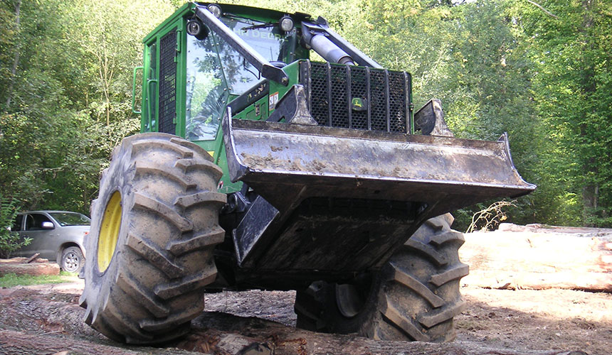 pneus Forestry pour travaux forestiers