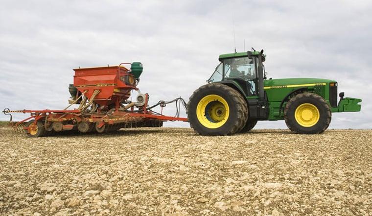 jumeler les pneus de tracteur pour la productivité