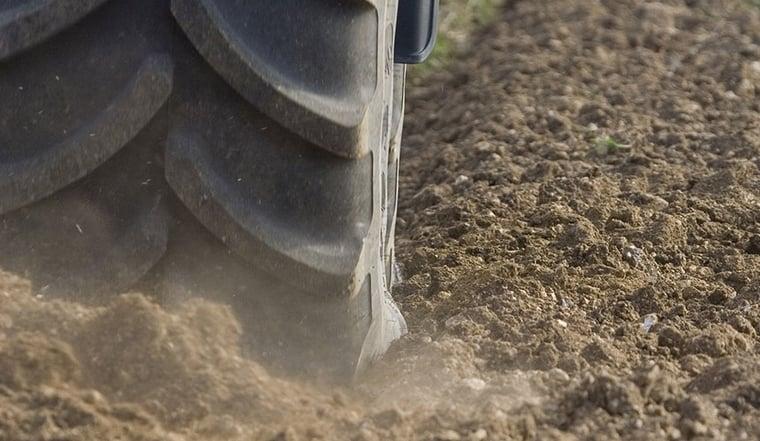 pneus de tracteur pour la traction